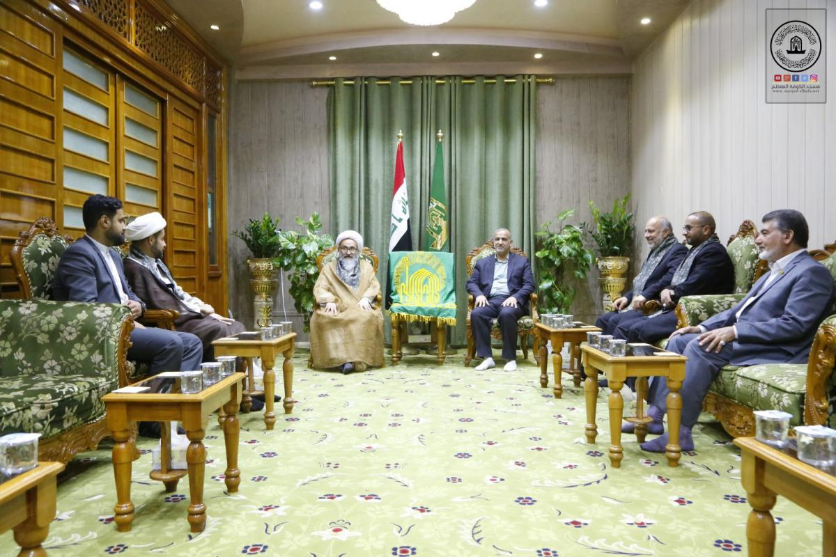 Secretary-General of Alkufa Grand Mosque receives delegation of holy shrine of  Imam Alidha (AS)