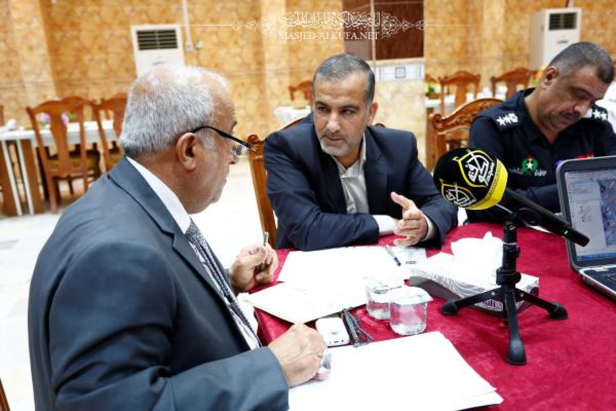 Alkufa Grand Mosque discusses rehabilitation of area surrounding mosque in consultancy  meetiing