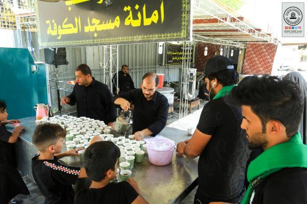 أمانة مسجد الكوفة المعظم تواصل تقديم الخدمات لزوار الأربعين