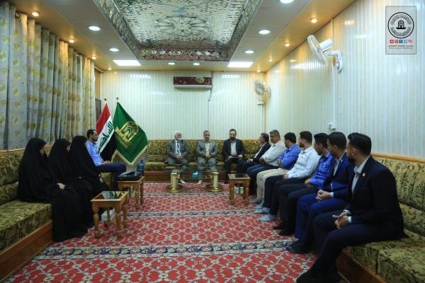 اختتام دورة اللغة الفارسية لمنتسبي أمانة مسجد الكوفة المعظم وتوزيع الشهادات على الفائزين