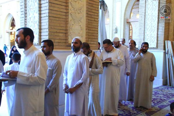 أمانة مسجد الكوفة المعظم تواصل تقديم الخدمات .. وتوفير الأجواء الإيمانية للمعتكفين