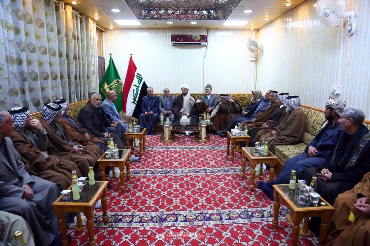 لإحياء ذكرى شهادة الزهراء (عليها السلام) أمانة مسجد الكوفة تجتمع بأصحاب المواكب الحسينية