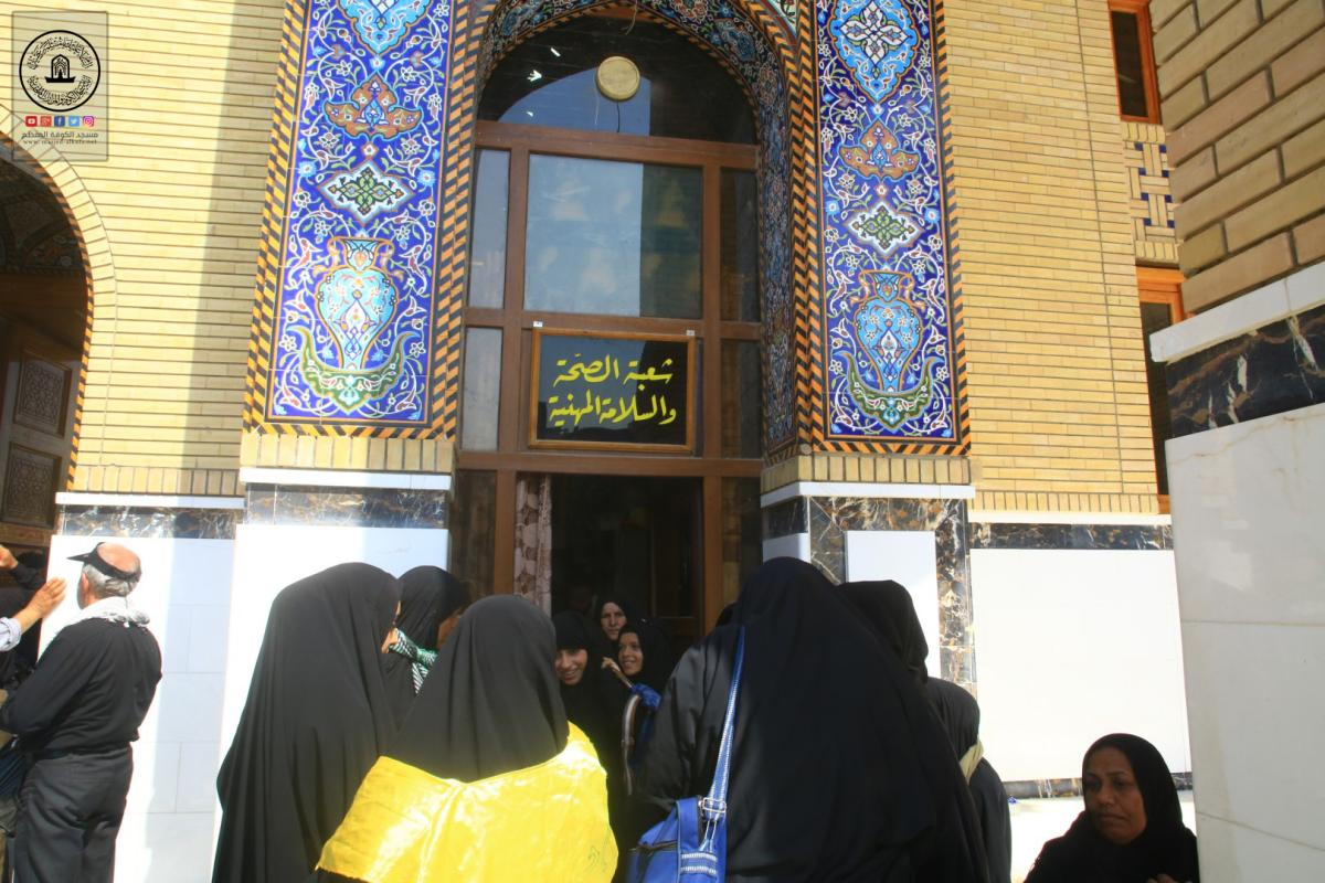 المفرزة الطبية في مسجد الكوفة المعظم تستقبل المرضى من زوار الأربعين على مدار اليوم والساعة