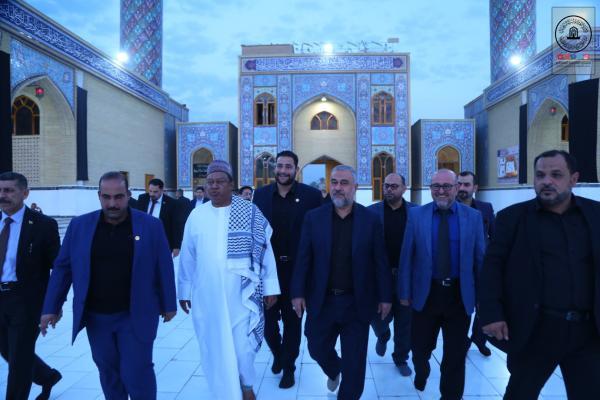 أمين عام منظمة أوبك يتشرَّف بزيارة مسجد الكوفة المعظم