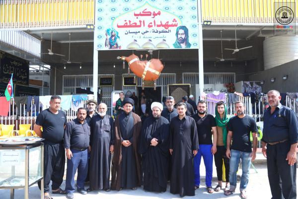 أمانة مسجد الكوفة تواصل دعمها للمواكب الحسينية على طريق زائري أربعينية الإمام الحسين (عليه السلام)