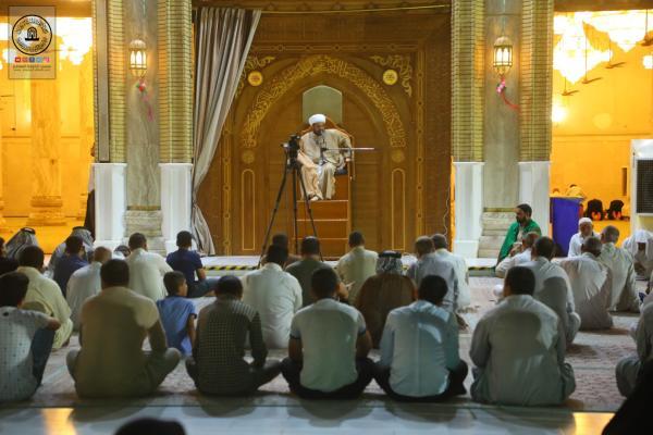 المحاضرة الدينية الأسبوعية في مسجد الكوفة المعظَّم لفضيلة الشيخ زيد شبع