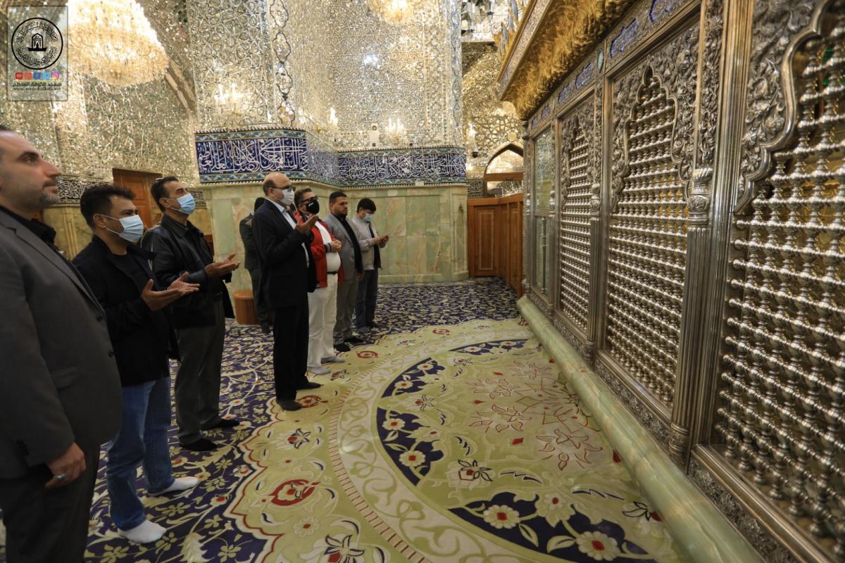 السفير الأفغاني والوفد المرافق له يتشَّرف بزيارة مسجد الكوفة المعظم والمراقد الطاهرة جواره ويطلع على معالمها التاريخية