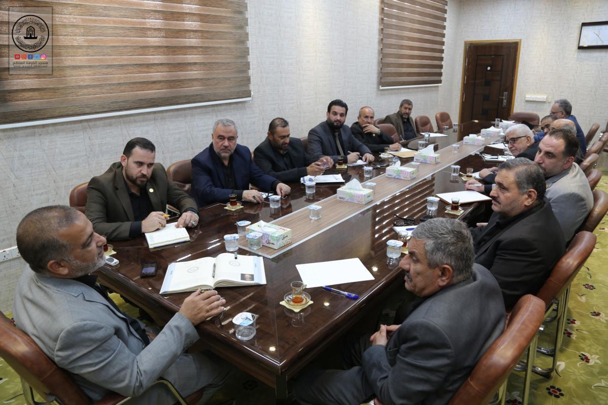 امين مسجد الكوفة يناقش مع مسؤولي الاقسام الاستعدادات لزيارة الاربعين