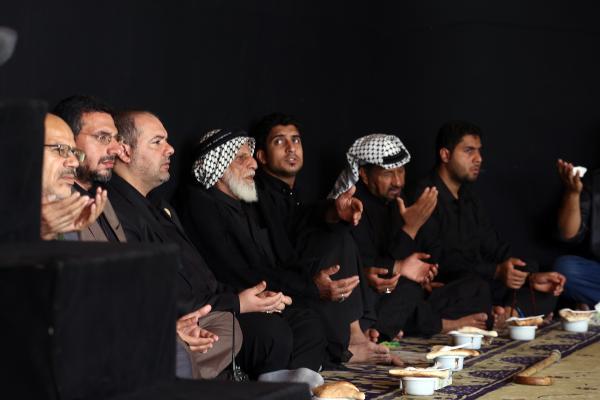 مسجد الكوفة يقيم مجلس عزاء بذكرى دفن الأجساد الطاهرة لشهداء الطف في 13 من محرم الحرام