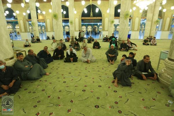 مع الالتزام بالضوابط الصحية امانة مسجد الكوفة تقيم مجلس العزاء الأسبوعي
