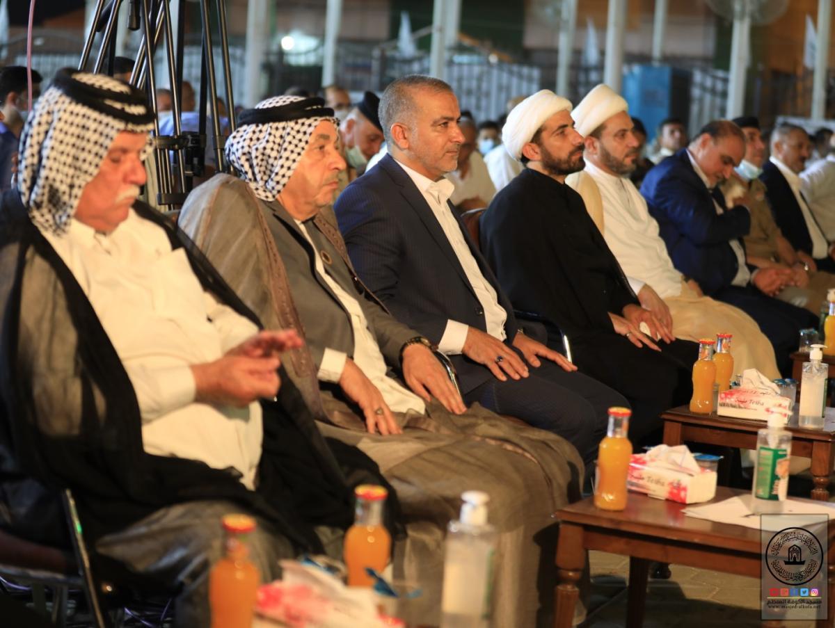 بحضور أمين مسجد الكوفة والوفد المرافق له مزار الصحابي ميثم التمار (رض) يحتفل بعيد الغدير الأغر