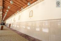 المباشرة بمشروع صبغ الجدران الداخلية لمسجد الكوفة المعظم