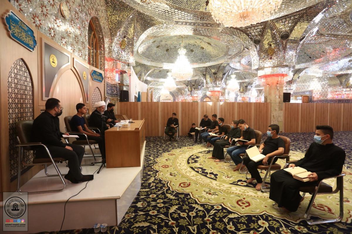 وحدة حفظ القرآن الكريم تدرب المشاركين على طرق الاداء في المسابقات القرآنية
