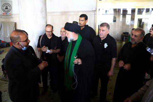 وفد عراقي مغترب في اوروبا يتشرف بزيارة مسجد الكوفة المعظم والمراقد الطاهرة جواره