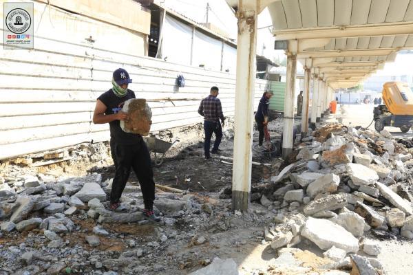 استمرار العمل ببناء كيشوانيات باب الرحمة في مسجد الكوفة المعظم