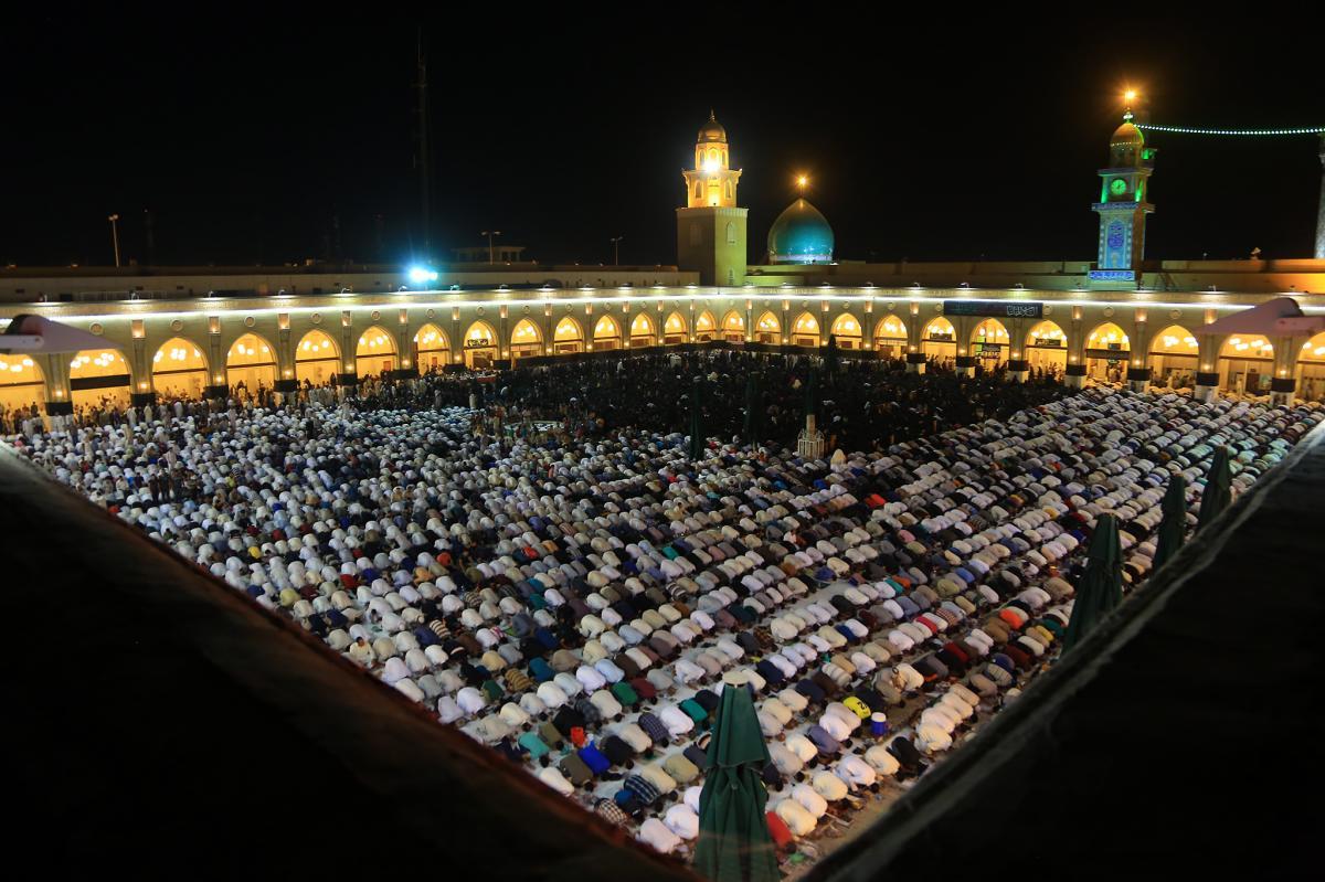 مسجد الكوفة في ليلة الجرح 1