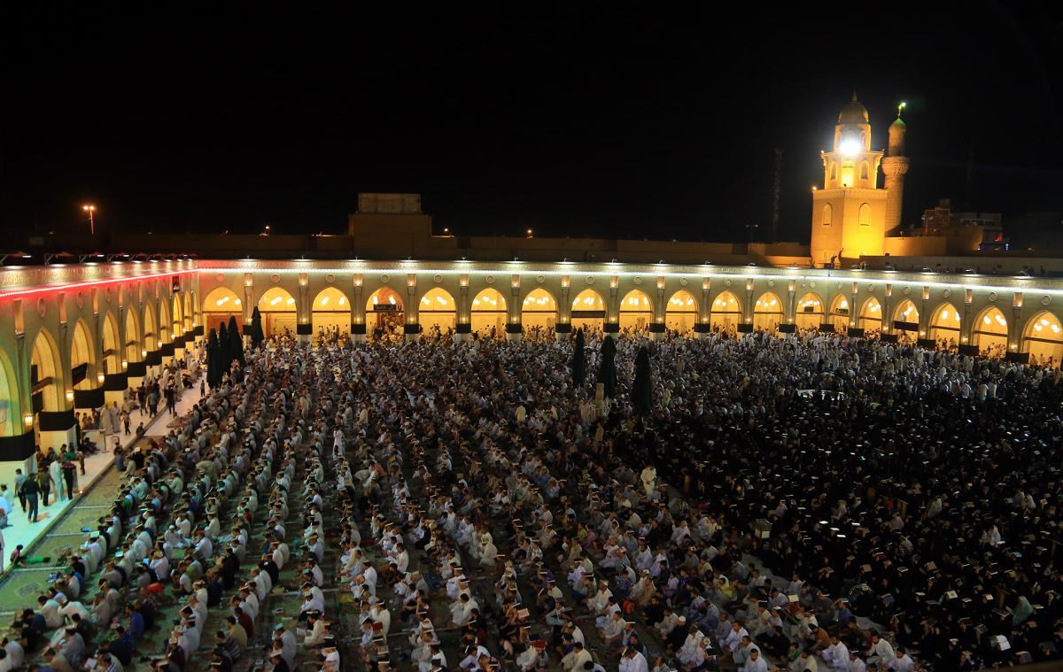 مسجد الكوفة في ليلة الجرح2