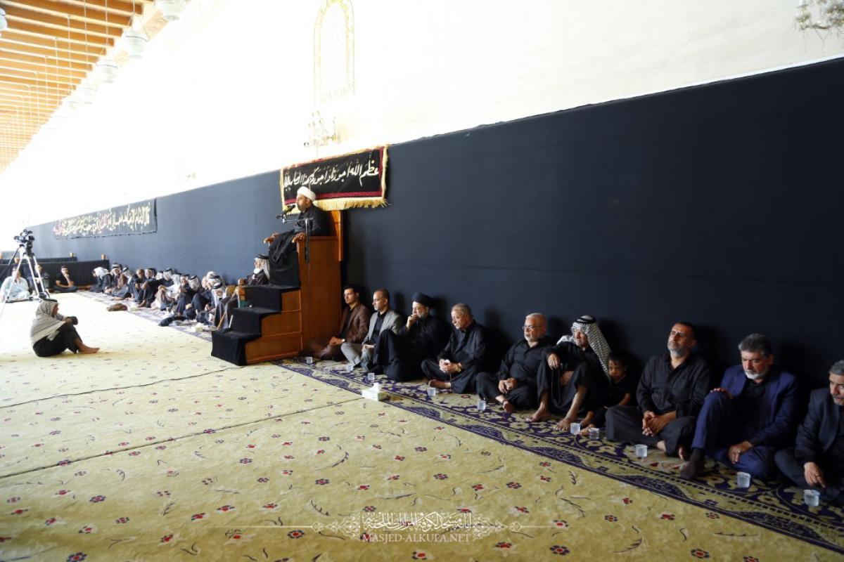 في عاشوراء .. يستذكر المؤمنون شهادة مسلم بن عقيل (عليه السلام) في مسجد الكوفة المعظم