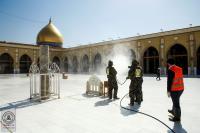 الدفاع المدني يقوم بحملة وقائية من الأوبئة لمسجد الكوفة والمراقد الطاهرة جواره