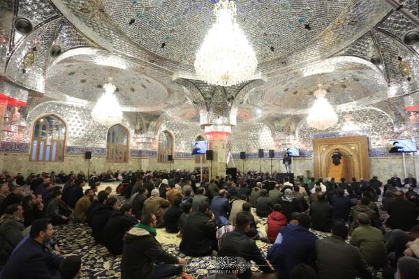 أمانة مسجد الكوفة تحيي الليالي الفاطمية بحضور جمع غفير من المعزِّين