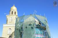 استمرار العمل في مشروع تنظيف وصيانة القبة الخارجية لمزار الصحابي هانئ بن عروة (رض)