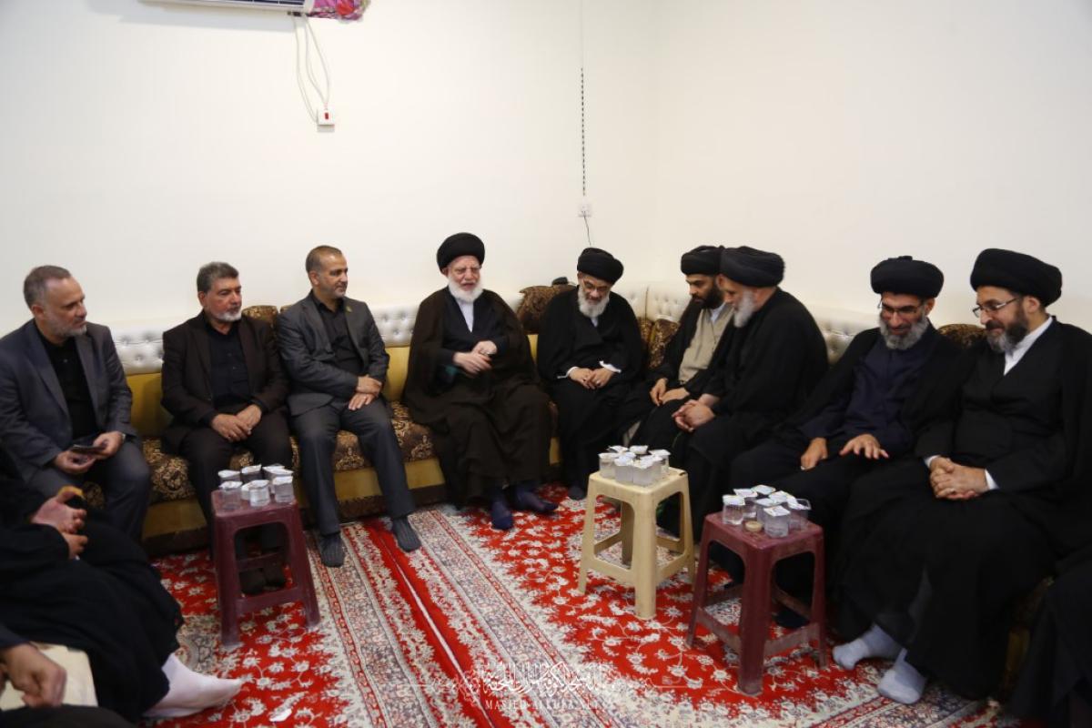 في طريق يا حسين .. أمين مسجد الكوفة يطلع على الخدمات المقدمة للزائرين ويلتقي مسؤول مشروع التبليغ الديني