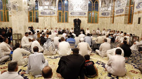 أمانة مسجد الكوفة تحيي ذكرى شهادة الإمام الصادق (عليه السلام) بمجلس عزاء كبير