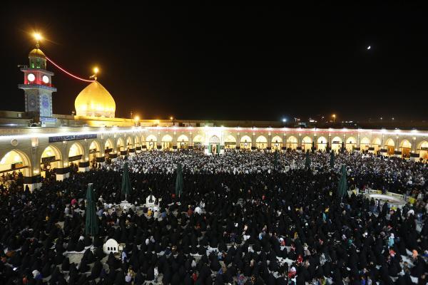 مسجد الكوفة يشهد حضور إيماني كبير في مجلس عزاء ذكرى شهادة الإمام الباقر (عليه السلام)