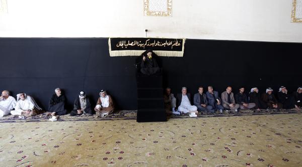 مجلس العزاء السنوي بذكرى عاشوراء يقام في مسجد الكوفة ولمدة عشرة أيام
