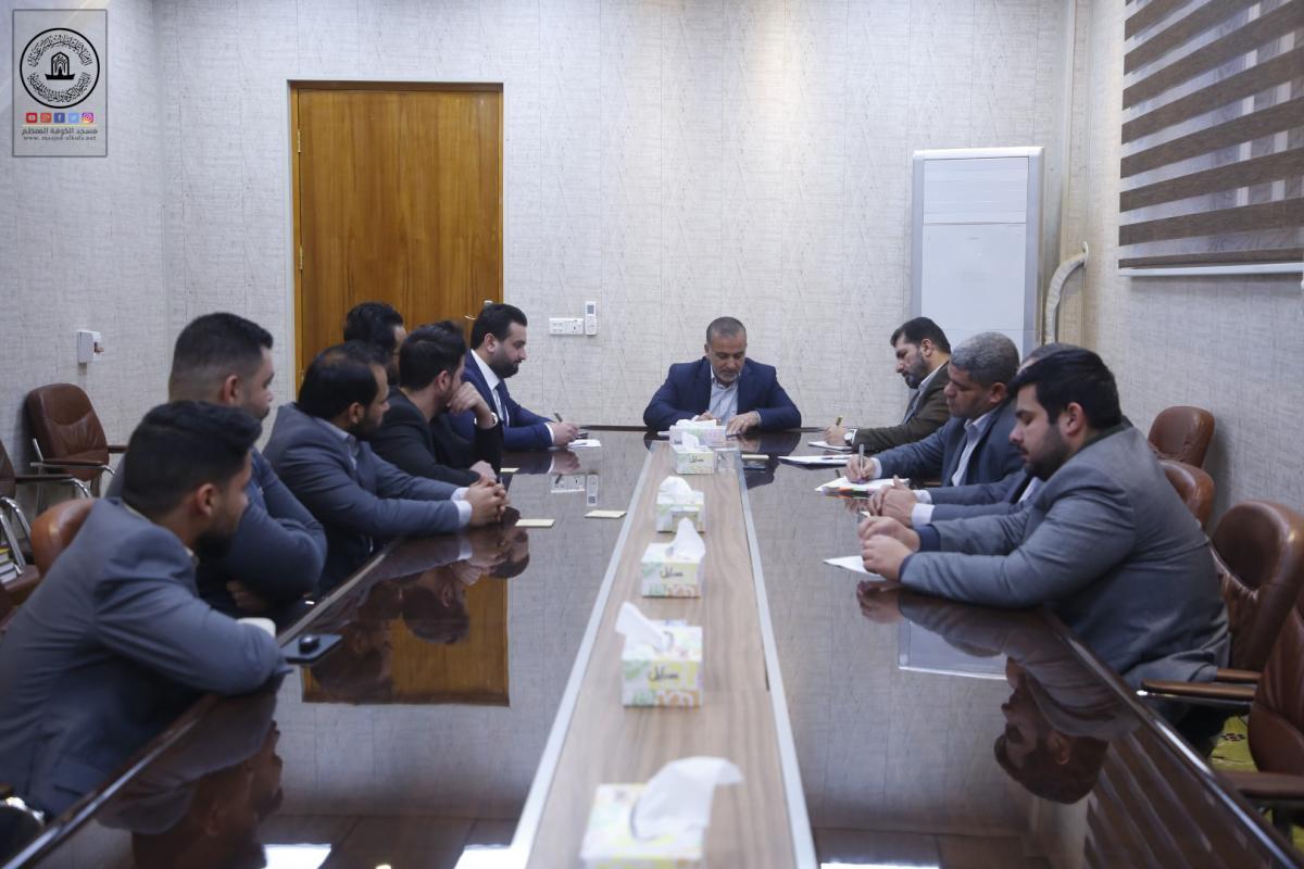 أمين مسجد الكوفة يناقش الخطة السنوية لقسم الإعلام ويدعو الى مضاعفة الجهود