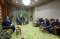 أمين مسجد الكوفة يستقبل وفد مديرية الصحة ويشيد بجهودها في هذه المرحلة الخطرة