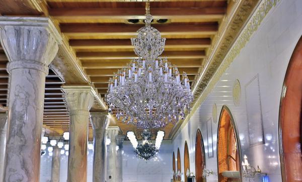 مسجد الكوفة المعظم صورة لاحد جوانب المسجد