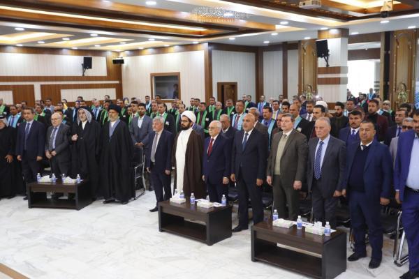 وفد أمانة مسجد الكوفة يحضر احتفالية معهد العلمين في النجف الأشرف بمناسبة تخرج طلبة الدراسات العليا