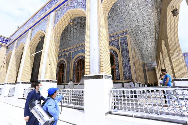 للحفاظ على سلامة الزائر .. حملة دورية لرش مبيدات الحشرات في مسجد الكوفة المعظم بالتعاون مع مديرية البيئة