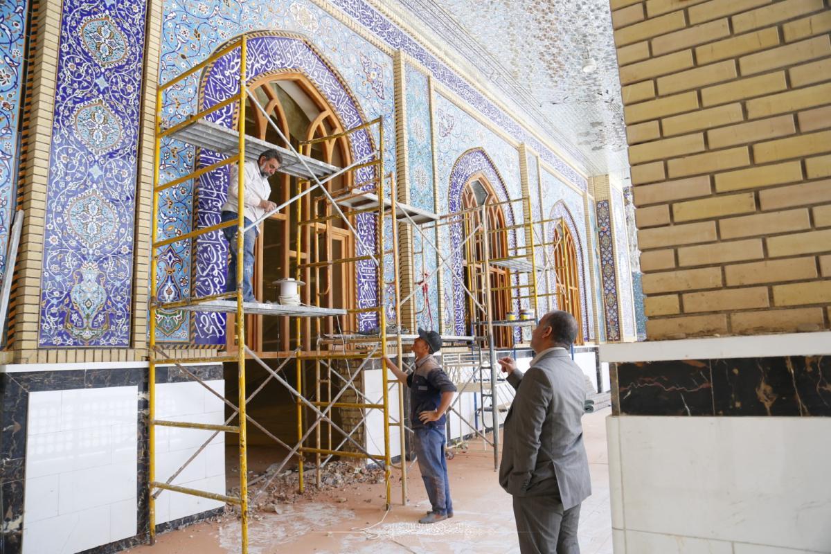 أمانة مسجد الكوفة المعظَّم تفتتح باب جديد لمصلَّى السفير مسلم بن عقيل ( عليه السلام)