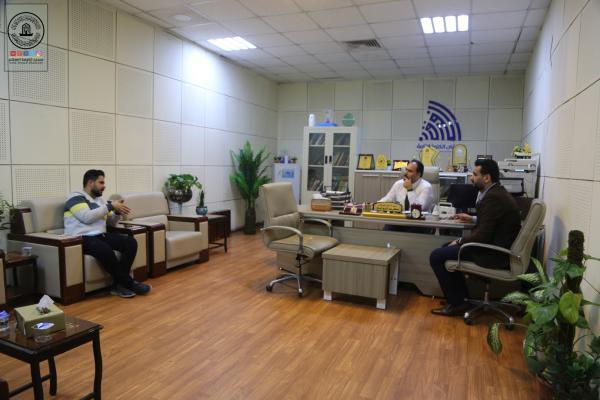 الوفد الإعلامي لمسجد الكوفة يناقش مع شبكة الإعلام التعاون في إقامة مسابقة الإذاعات الرمضانية